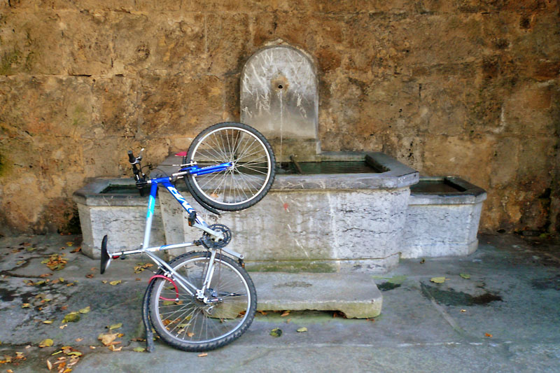 Fountain with bike
