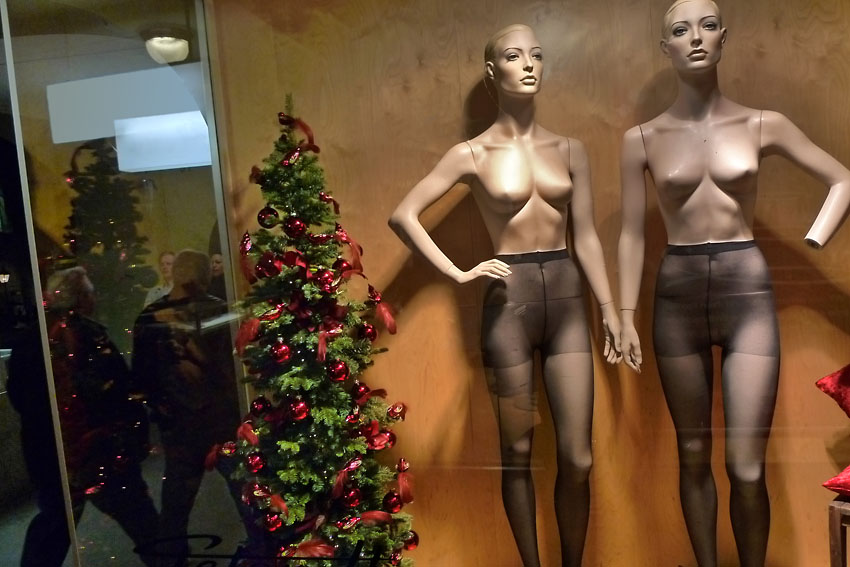 Mannequins with Christmas tree