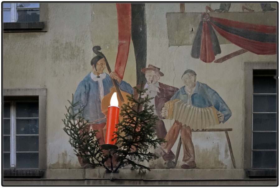 Mural and Christmas decoration