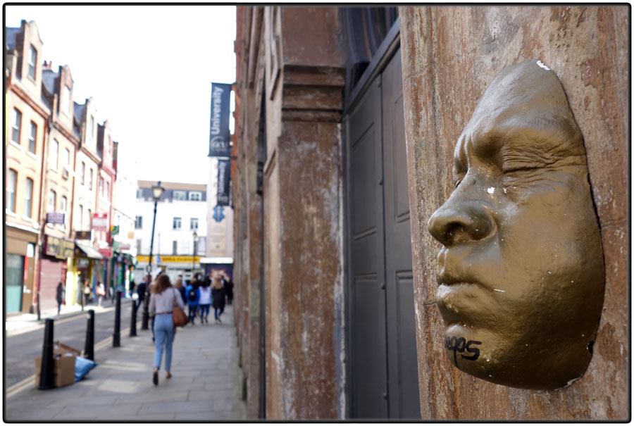 Steet art sculpture