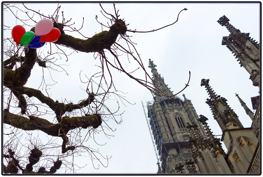 Balloons in front of Muenster Cathedral
